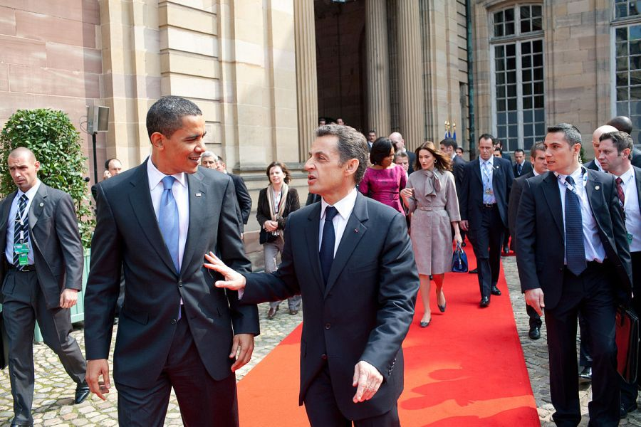 1200px-Barack_Obama_and_Nicolas_Sarkozy_in_Strasbourg_April_2009