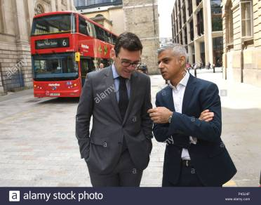 london-mayor-sadiq-khan-right-and-mayor-of-greater-manchester-andy-burnham-during-a-clean-air-summit-at-mansion-house-in-london-P43J4F