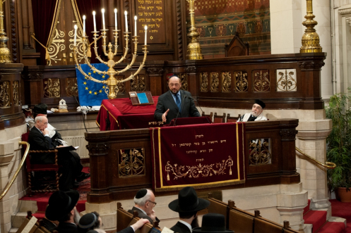 Martin-Schultz-president-of-the-european-parliament-speaking-at-the-great-synagogue-of-europe-in-brussels-in-march-credit-Europe