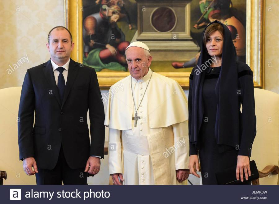 pope-francis-meets-with-bulgarias-president-rumen-radev-at-the-vatican-JEMK0W